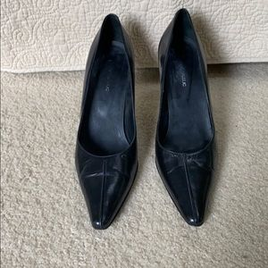 Black leather Banana Republic heels